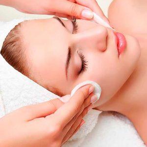 Limpieza facial o masaje de relajación